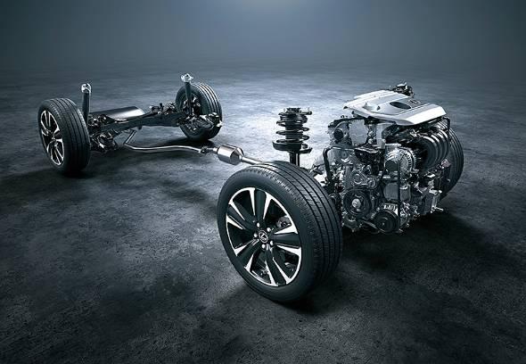 現行型プリウスで登場したFF用のGA-Cプラットフォームをベースに、AWDではリヤにモーター駆動を備える
