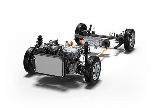 1.5リッター74PSユニットに61PSのモーターを組み合わせる。バッテリーは小型化されたニッケル水素