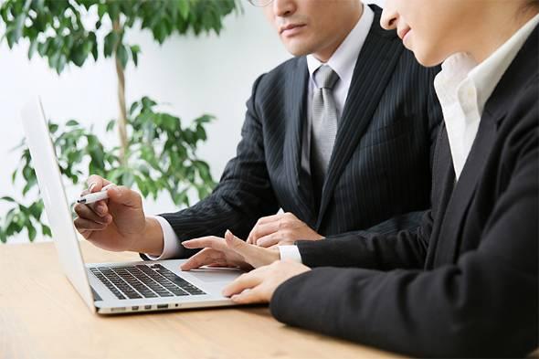 仕事の引き継ぎは企業で働く多くのビジネスパーソンが経験する