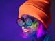マスクやサングラス着用でも顔認識 防犯&マーケティング向けAIサービス