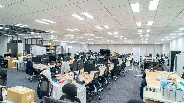 コロナ後もテレワーク、「オフィス消滅」企業が続々 (1/3) - ITmedia ...