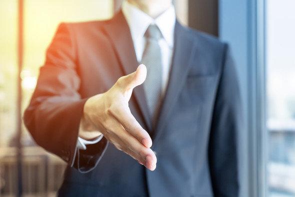 """ネットで賛否、電通「社員の個人事業主化」 実際に応募・退社した""""中の人""""の本音"""