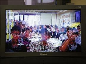 ハイビジョン3D動画を2万円台で ...