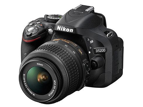 ニコン「D5200 18-55 VR レンズキット」