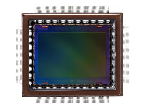約2億5000万画素のCMOSセンサー
