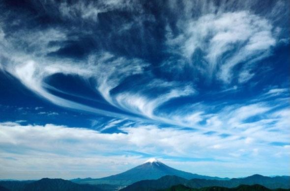 富士フォトネット(FPN)写真展「 富士—雲変幻— 」