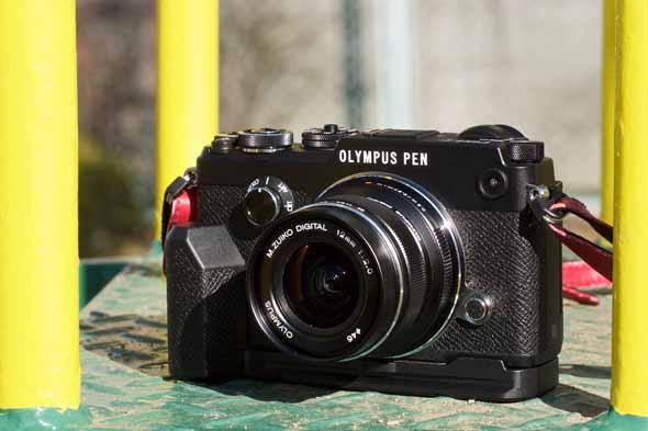 カメラファンを魅了する 質感の高いpen オリンパス pen f 1 3
