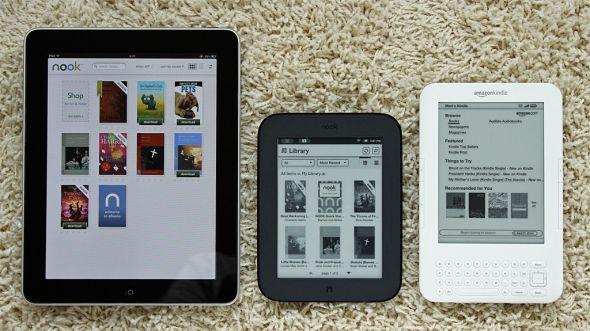 NOOK 2をiPad、Kindle 3と並べてみた