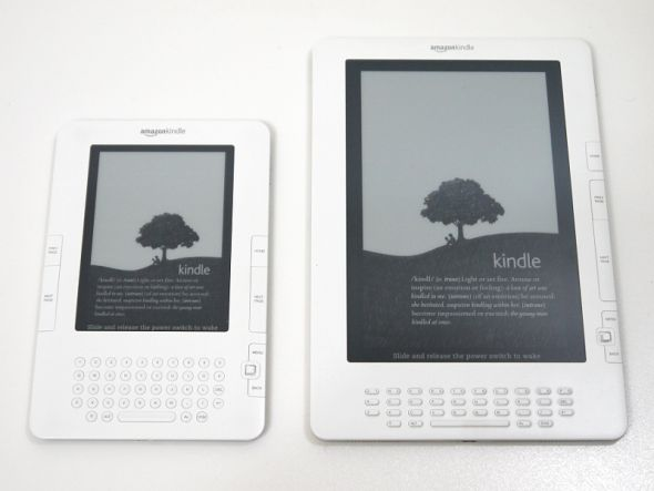 Kindle 2(左)とKindle DX(右)