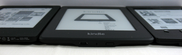 左からKobo Touch、Kindle Paperwhite、PRS-T2