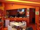 本屋探訪記:大阪中津の真っ赤なブックカフェ「空夢箱」