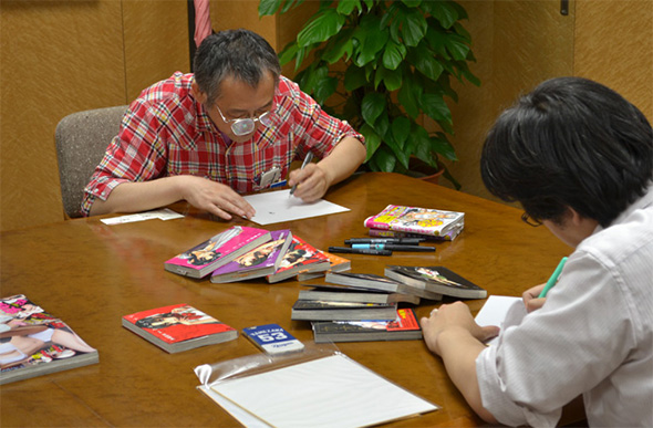 漫画家2人がペンを走らせるというぜいたくな瞬間