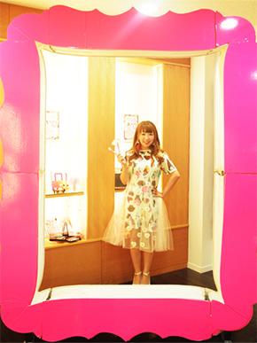 『メイクで世界中を笑顔に!』著者の横山美和さん