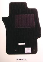 図30 三菱自動車のPTT繊維フロアマット