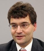 AUTOSARスポークスパーソンを務めるドイツRobertBosch社オートモーティブシステムインテグレーション部門部長のJurgenMossinger氏