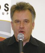 写真1 Khronosの代表を務めるNeilTrevett氏
