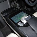 写真1「AVIOCAR-3」の左右座席共有インターフェース