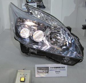 写真1「プリウス」のLEDヘッドライト