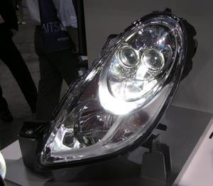 写真2「i-MiEV」のLEDヘッドライト