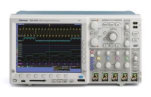 写真1Tektronix社の「MSO4000」