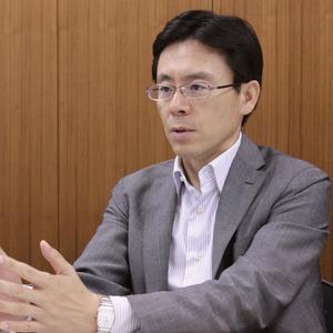 クロヤナギシゲル 1983年、トヨタ自動車に入社。以降、パワートレイン電子システムの先行開発/量産開発などを担当。近年は、電子プラットフォーム主査として、電子システム全体のアーキテクチャおよび要素技術の企画/開発を担当している。2009年6月、制御ソフトウェア開発部長に就任(現職)。同年7月、JasPar運営委員長に就任。