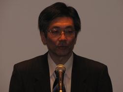 写真1 NTTエレクトロニクスの倉員桂一氏