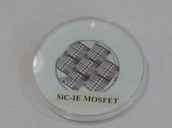 写真2 IE-MOSFETを作り込んだSiCウェーハ