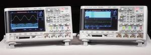 写真1 「InfiniiVision2000Xシリーズ」(左)と「同3000Xシリーズ」