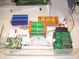写真1 電池監視ICのデモの様子