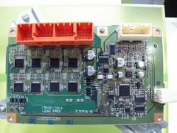写真1 「プリウスα」向けのLiB監視ユニットで用いられている基板