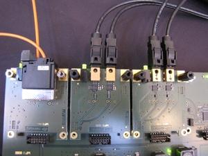 図4 POFと同軸ケーブルを接続した基板
