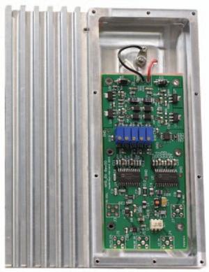 図4 アルミニウム製ブロックに組み込まれたRFボード