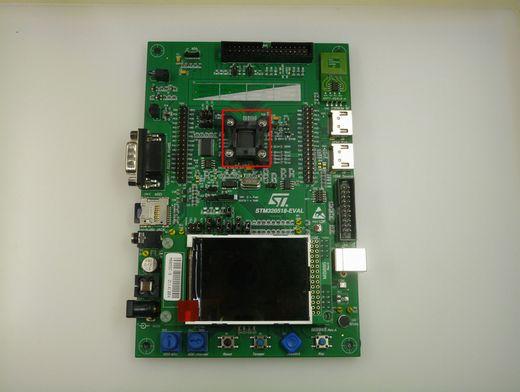 図2 「STM320518−EVAL」