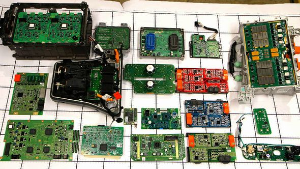製品解剖:電気自動車「ボルト」、電池管理の秘密 1 5 Edn Japan