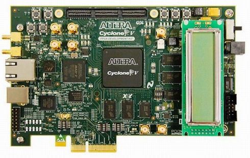 図2Cyclone V GX FPGA開発ボード