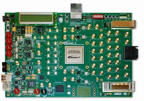 Stratix V GXエディションの開発ボード