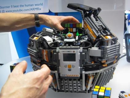 図3 「Cube Stormer II」