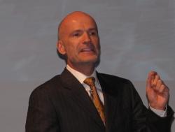 IntelのTon Steenman氏