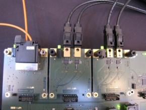 POFと同軸ケーブルを接続した基板