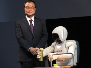 「ASIMO」と伊東孝紳氏