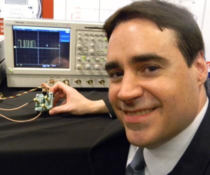 MEMS発振器
