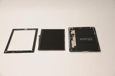 新型iPadの3枚おろしが完成