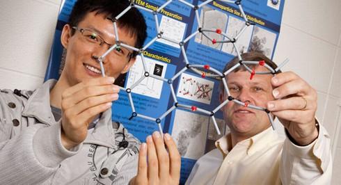 GMOの原子構造