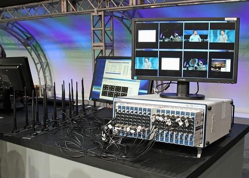 次世代通信規格の要となるMIMO技術のデモ