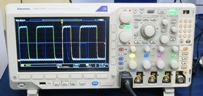 tm_140400tektronix04.jpg
