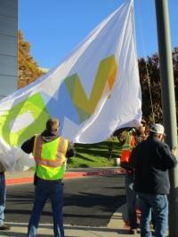 NXPの旗を揚げる
