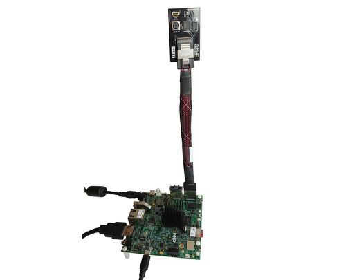 i.MX 8Mファミリの開発評価用ボードに接続した「THSCM101」