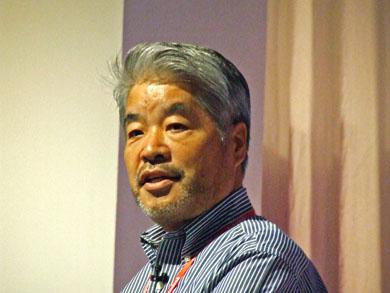 挨拶に立つオートデスクの志賀哲也 代表取締役社長