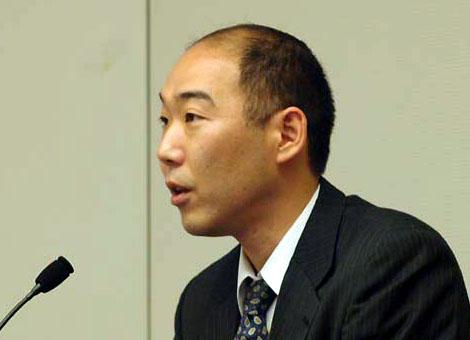 瀧本文男氏