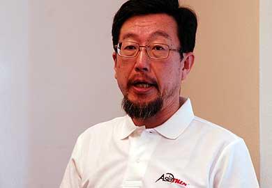 """キーワードは""""Better Than Red Hat""""」――Asianux Server 3のみなぎる"""